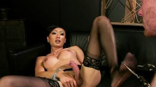 Shemale lady anal bangs delivery man
