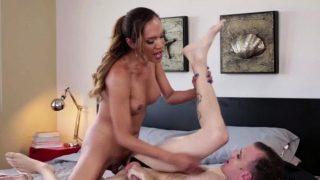 Sexy Tbabe Jessica teach Chad a lesson